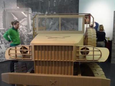 mobel aus pappe hamburg die neuesten innenarchitekturideen. Black Bedroom Furniture Sets. Home Design Ideas