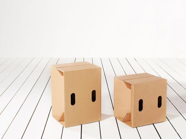 gro er hinterberger kurtl m bel aus karton. Black Bedroom Furniture Sets. Home Design Ideas